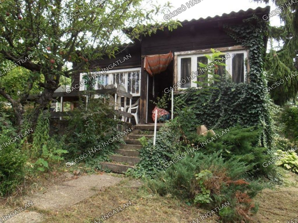 Eladó 35 m2 nyaraló - Szentendre