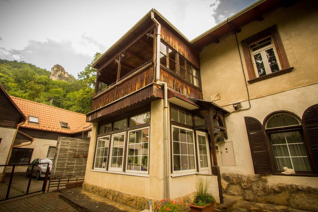 Eladó 192 m2 ház - Budapest XII.