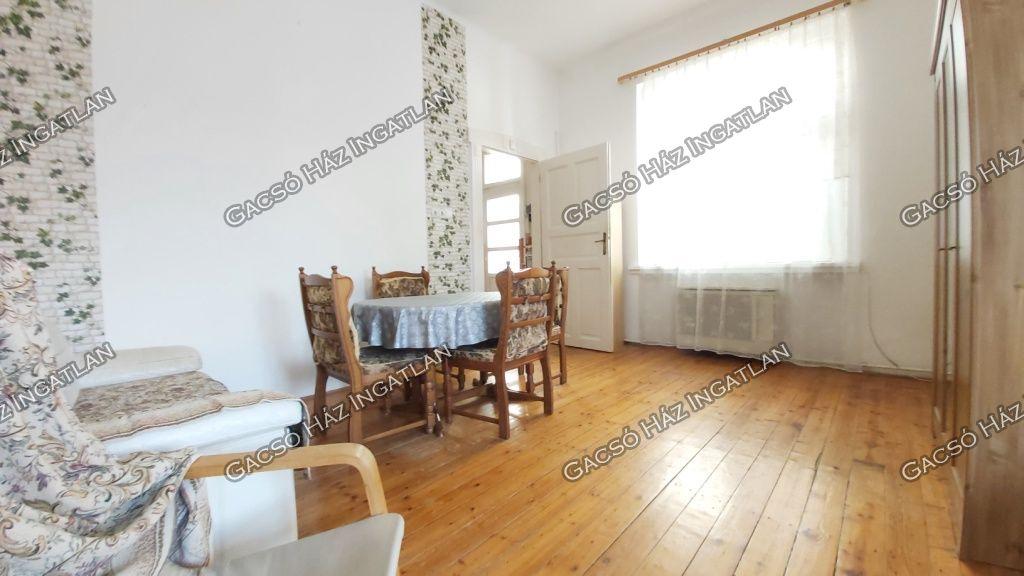 Eladó 34 m2 lakás - Budapest XIV.