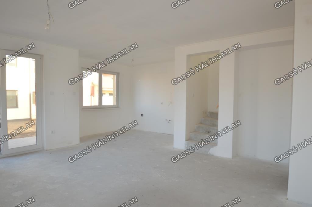 Eladó 113.68 m2 ház - Budapest XVI.