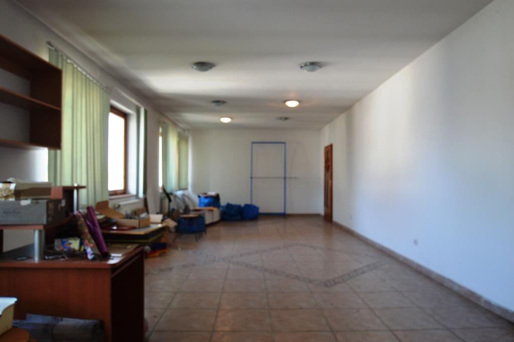 Eladó 671 m2 ház - Budapest XVI.