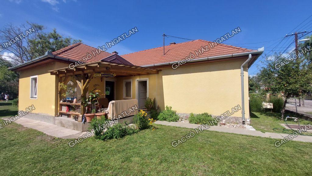 Eladó 80 m2 ház - Siófok