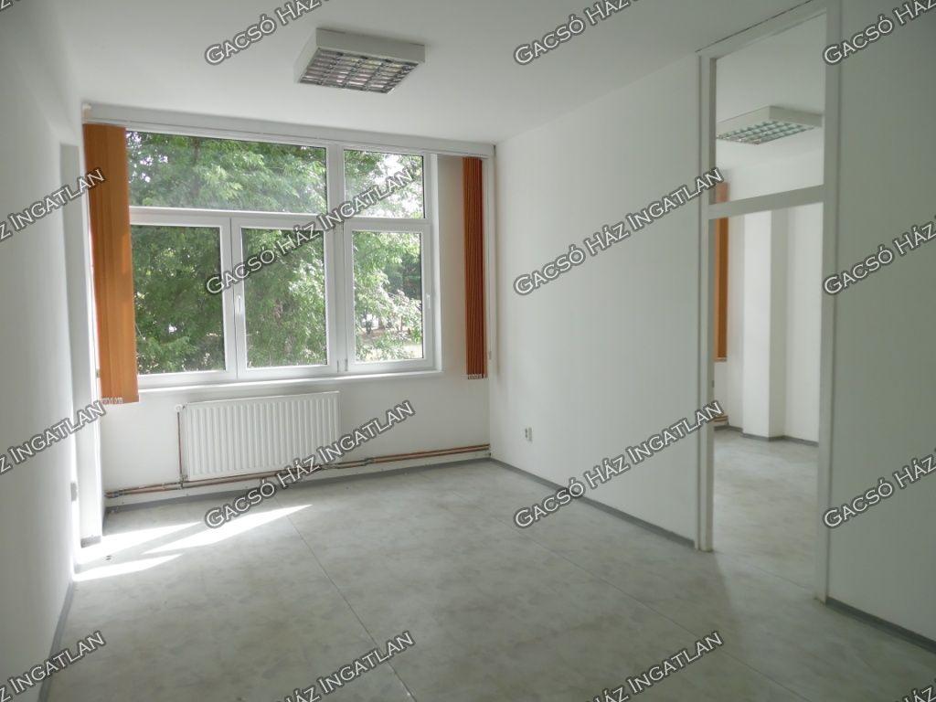 Kiadó 20 m2 iroda / üzlethelyiség - Százhalombatta