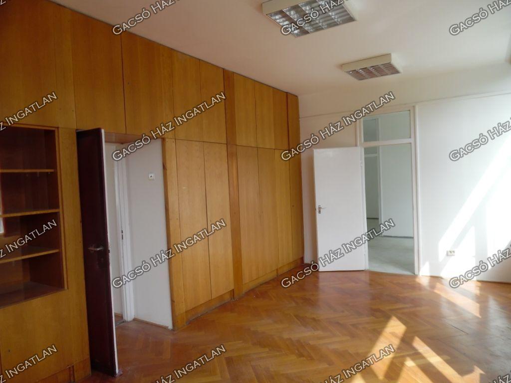 Kiadó 103 m2 iroda / üzlethelyiség - Százhalombatta
